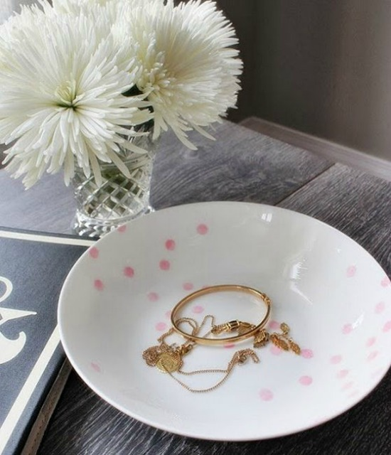Kate Spade Confetti Bowl setting for four