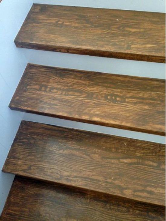Faux Wood Grain Stair Treads compulsive craftiness